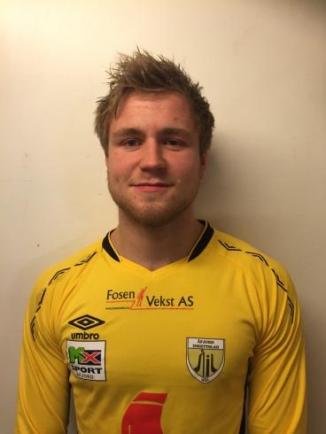 17 Magne Larsen midtbane kaptein