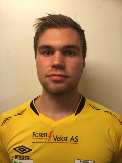 5 Mikael Larsen midtbane